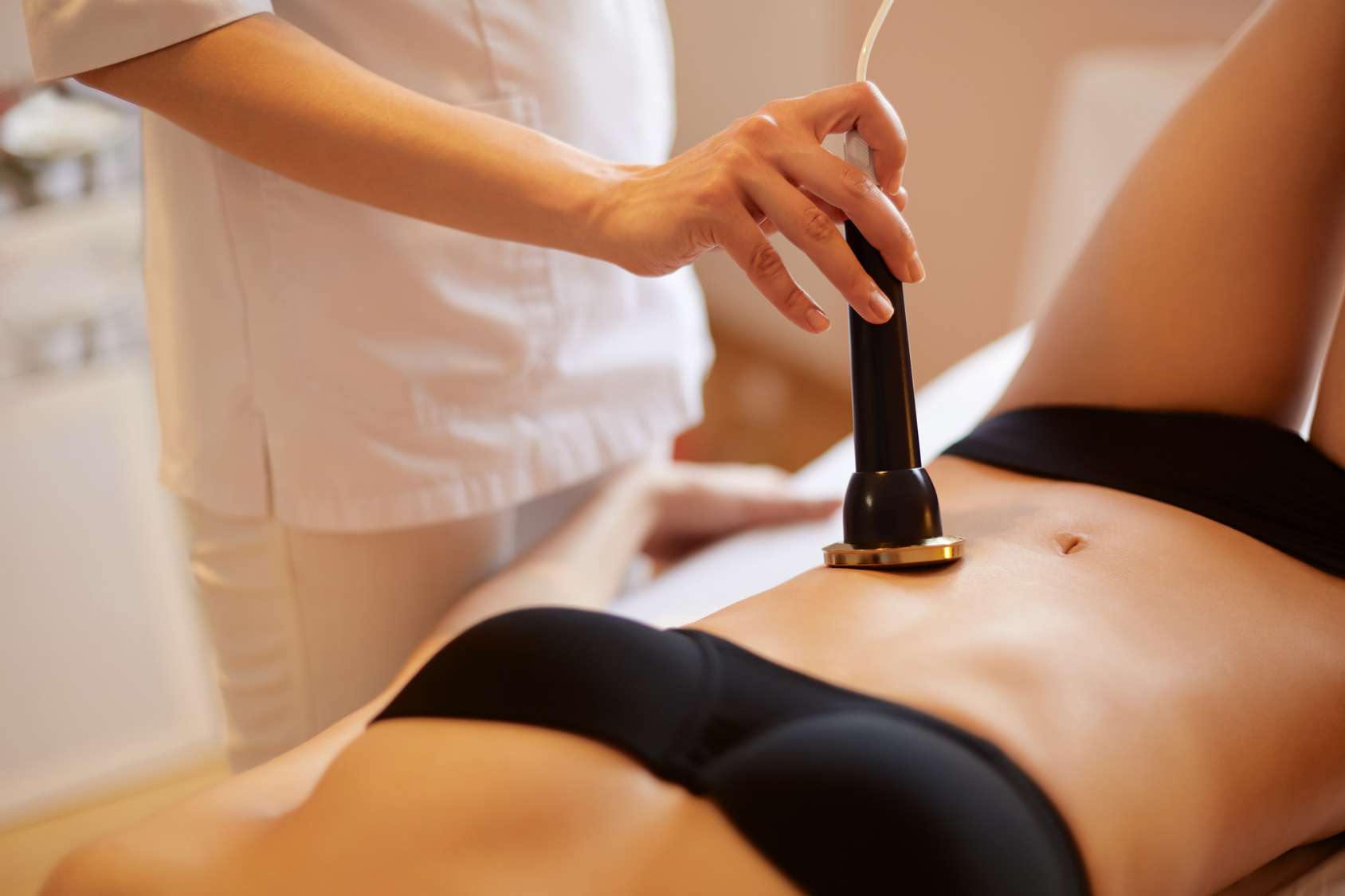 Ultrasound Cavitation Body Contouring Treatment.   Body Care.